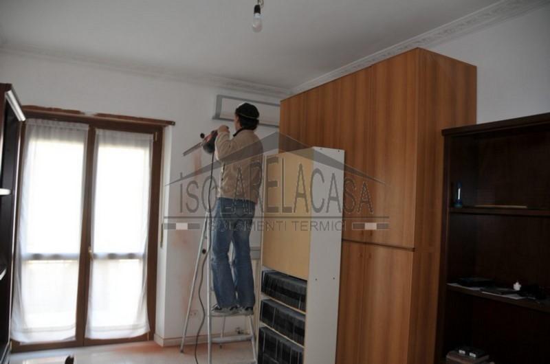 Isolamento di una casa arredata con intercapedine
