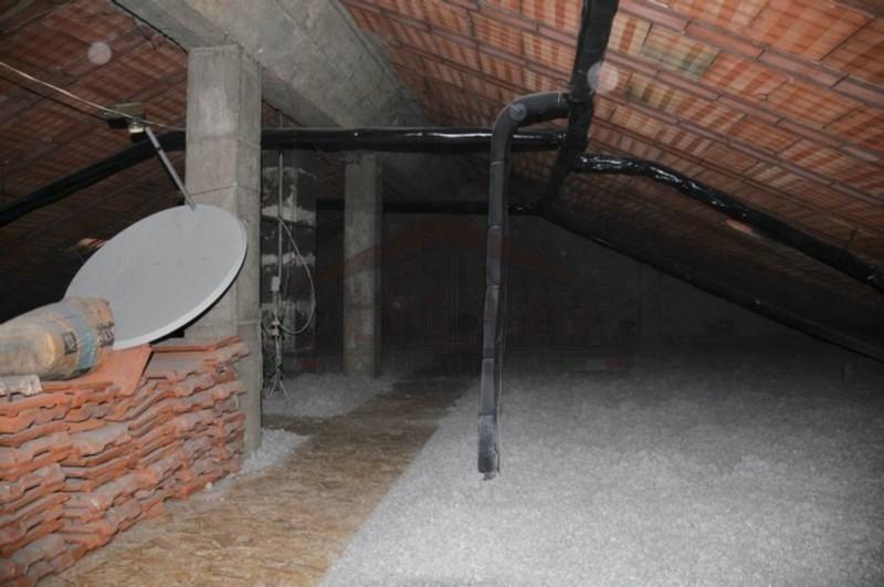 Lavori di isolamento termico sottotetto con cellulosa in fiocchi