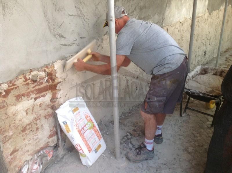 lavoro di risanamento muri umidi