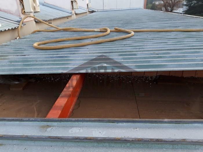 tubo di insuflaggio sul tetto
