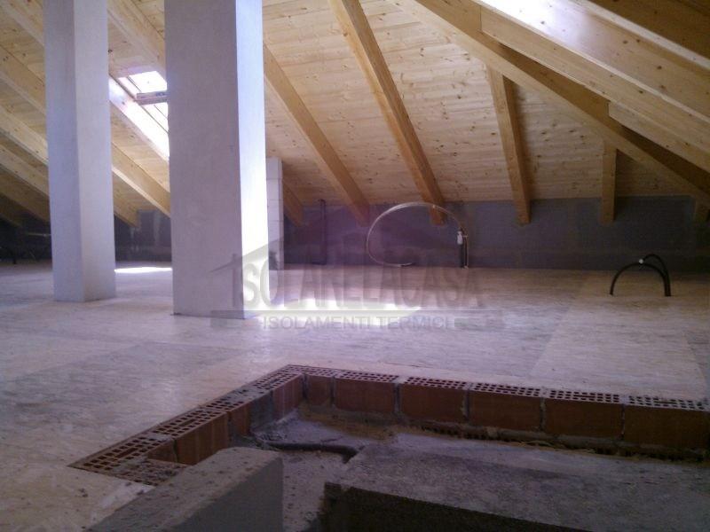 pavimento in lego su tetto cpibentato con cellulosa