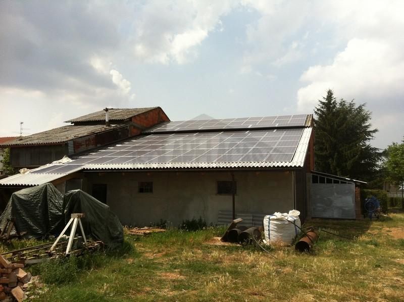 casa con pannelli solari con accumulo
