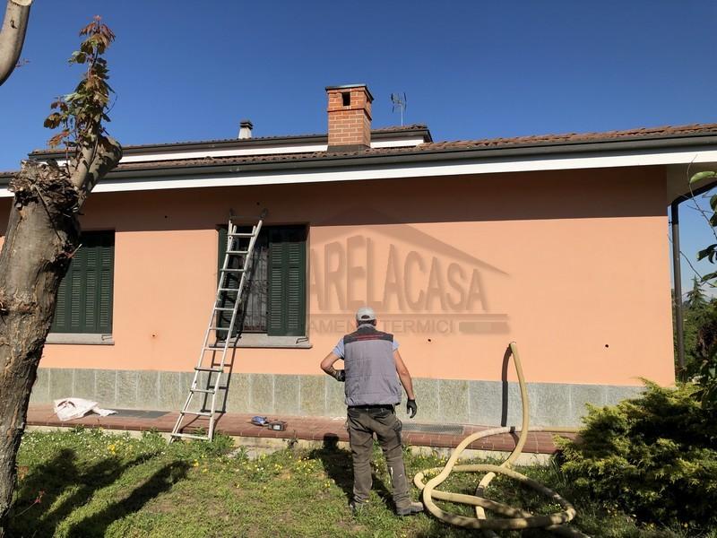 operazioni di insufflaggio delle pareti da esterno