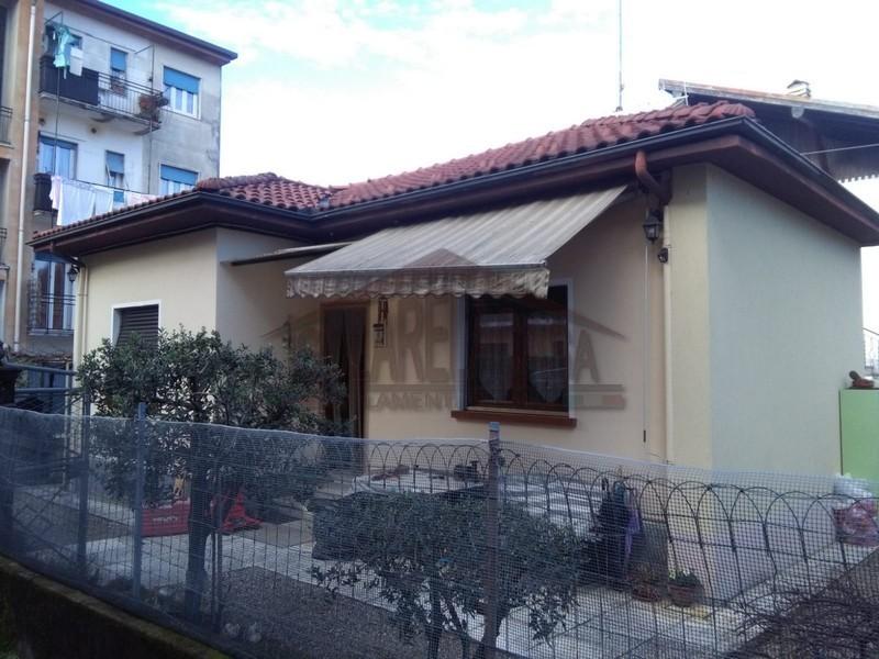 casa con sottotetto isolato a Verbania