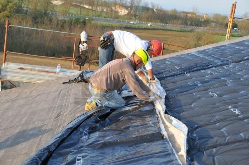 posa teli Actis per isolamento tetto a basso spessore